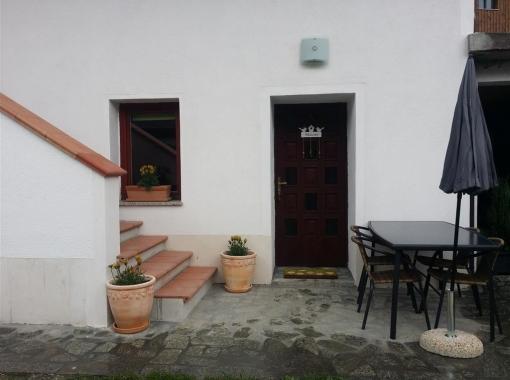 entry-apartment